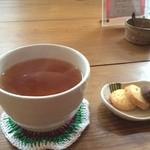 ファブリカ村 - 料理写真:和紅茶 400円