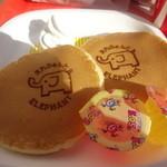 エレファントカフェ - お子さま用ホットケーキ♪ゼリーも2つついています(笑)