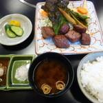 35917096 - サイコロステーキ定食