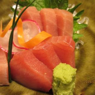 【こだわり】三崎港直送のまぐろや地魚!