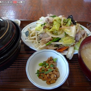 緑屋食堂 - 料理写真:肉野菜炒め定食