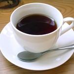 カフェ アイナ - 紅茶≪アップル/HOT≫(単品で\430、パンケーキのドリンクセットで100円引き、2015年1月)
