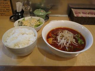 葡萄の牙 - 和牛の牛すじピリ辛スープ煮 690円 2015.03