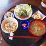 米の子 - もっちりレンコンハンバーグ定食