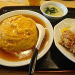 四川飯店 - 天津炒飯+とり天+サラダ+スープ