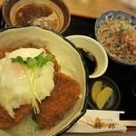 梅林 - 醤油カツ丼880円におろしそばセット320円増
