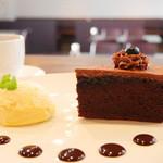 スパツィオ - チョコレートケーキ