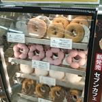 セブンイレブン - 料理写真:店内の様子@2015.03