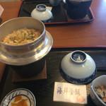 35934010 - 海鮮釜飯850円〜お味噌も付きます。