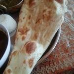 スープカレー&ネパールカレー スーリヤ - ナン