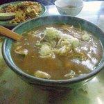 玉蘭 - カレーあんかけ麺。小ライスも付き、一品で二度美味しい。得した気分になります。