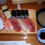 立花寿司 - サービスランチ にぎり