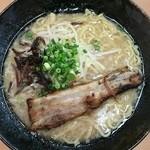 ラーメン竹岡屋 - 東京豚骨ラーメン 特盛