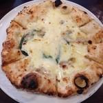 35944190 - クリームチーズピザ!