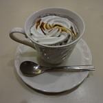 喫茶室ルノアール - 黒ごま黒糖ミルク:820円