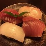 魚彩鶴巳 - 握り