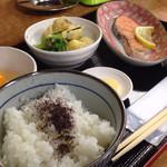宮 - 鮭定食@550円