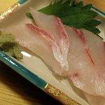 立呑魚家 うおぴち - コロダイのお造り(300円)