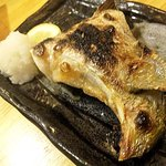 立呑魚家 うおぴち - カンパチのカマ塩焼き(280円)