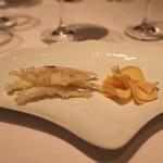 ル・マノアール・ダスティン - 赤穂産白魚の天ぷら 塩昆布の旨味で クワイチップス (2015/02)
