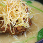 とんりゅうラーメン - とんこつ坦々麺(赤玉)