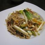四川料理 星都 - 豚肉とうるいの炒め物