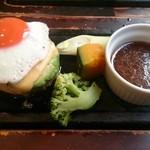 35953967 - お野菜はネギ、カボチャ、ブロッコリー。かなり熱いので要注意です!