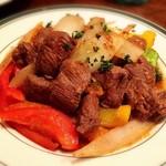 バル ペリカノ - 牛フィレ肉のサイコロステーキ