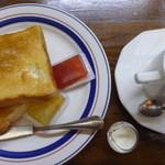 カフェドペリーヌ - ブレンドコーヒーとジャム付きトースト