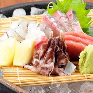 新鮮なお刺身は旬の鮮魚でご提供♪