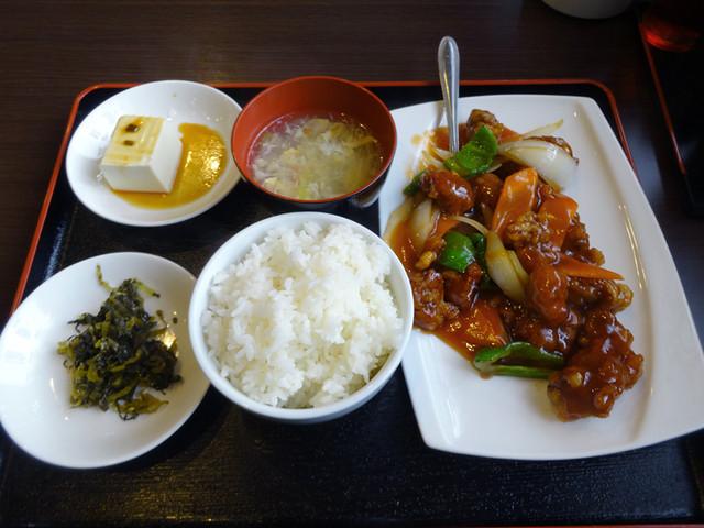 悦悦飯店>