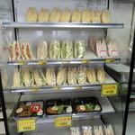 かものニュージョイス - 料理写真:2015年3月14日(土) 店内 冷蔵ケース