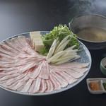 相撲茶屋 玄海 - 梅山豚しゃぶしゃぶ 2660円。幻の豚梅山豚!リピーター続出の人気料理。石川県ではここでしか食べられません。