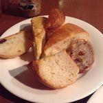 ポワンタージュ - ランチのパン盛り合わせ