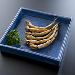 相撲茶屋 玄海 - ししゃも 680円。北海道ムカワ産本ししゃもオス。濃厚な味はお酒のあてに最適。