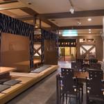相撲茶屋 玄海 - テーブル席 4名席3テーブル 小上がり座敷12-14名