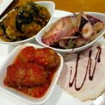 ピッツァ&ワイン テルッツァバンビーナ - 冷菜(人参のマリネ、キャロットラぺ、野菜のトマト煮、カポナータ、イタリアンオムレツ、ローストポーク)