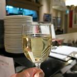 ピッツァ&ワイン テルッツァバンビーナ - グラス白