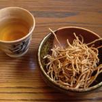 35975413 - 蕎麦茶と揚げ蕎麦