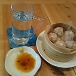 よるべ - チーズ生姜シューマイ