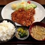35976137 - ジャンボチキンカツ定食(750円)