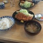 くまさん - 料理写真:とんかつ定食(800円)