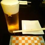 アカツキ焼肉店 - まずは生ビール