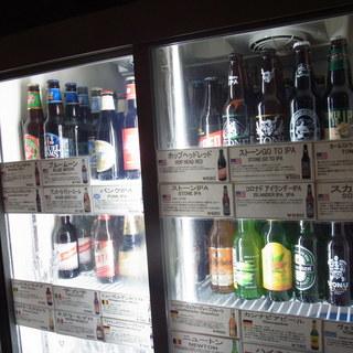 樽生7種類。ボトルビールも25種類以上を取り揃えています。