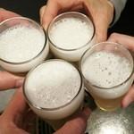 焼肉 夜桜 - ビールで乾杯♪