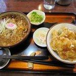 たけ山 そば店 - 料理写真:イカ野菜天丼セット