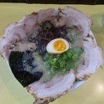 マルバ - 赤皿チャーシューのせ(上から)