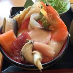 35992910 - 2015年3月。海鮮丼1000円。