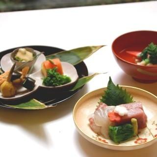 京の四季折々を五感で味わえる正統京料理