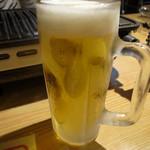 日向 - ドリンク写真:一人で乾杯です